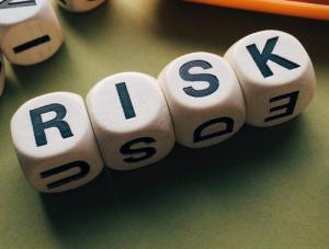 Volatil risikoreich unplanbar unsicher unklar