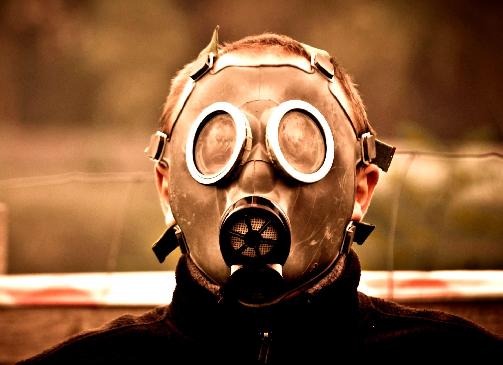 wer wird denn gleich panisch davon laufen oder die maske über den kopf ziehen