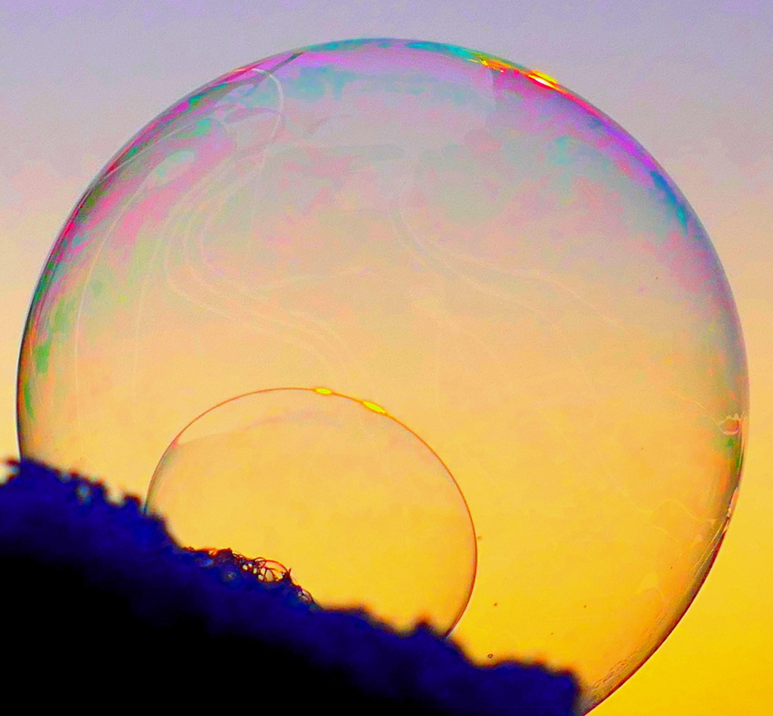 Blasen können kaputt gehen Überbewertung von Token und ICO Werten Gefahr für das gesamte Ökosystem