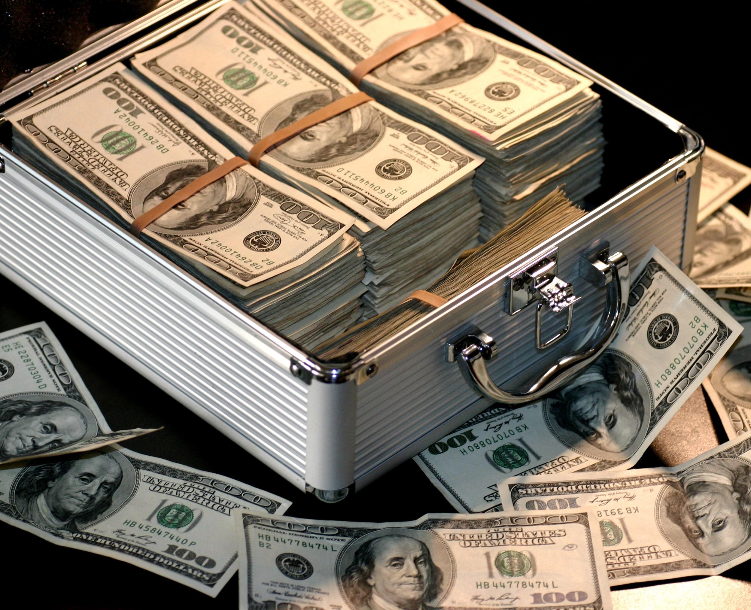 Cash Out Cryptocurrency Kryptowährung Ausverkauf Kasse machen Gewinne realisieren