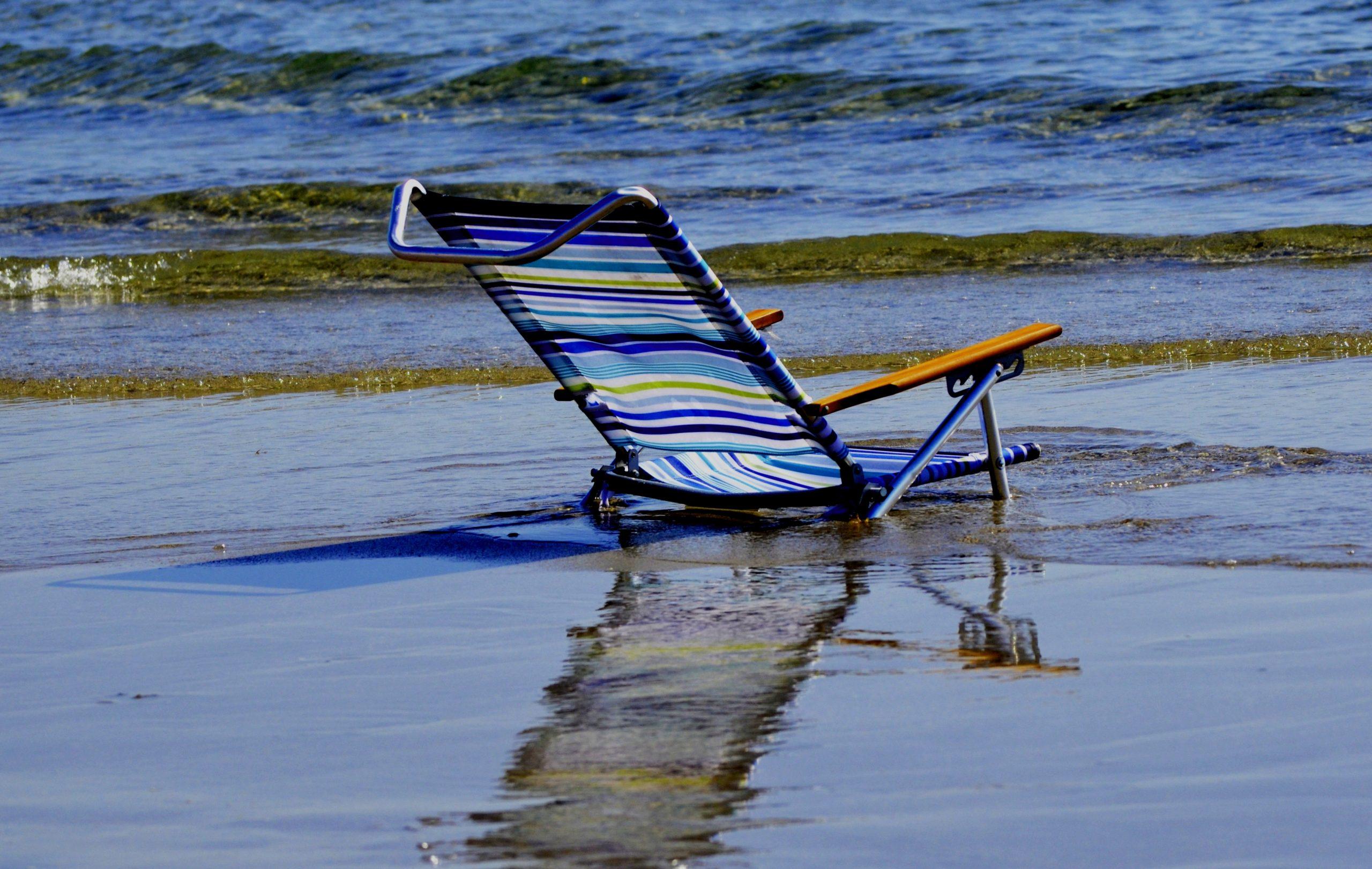 Der bequeme Stuhl versinkt langsam